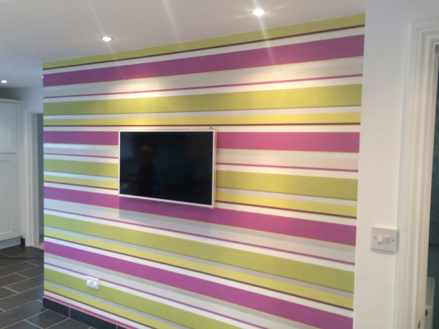 Wallpapering In Milton Keynes By Finishing Touches